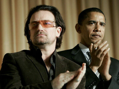 Bono and Barack Obama UNSIGNED photo - K8168 - At an event in 2006