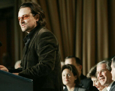 Bono and George W Bush UNSIGNED photo - K8169 - At an event in 2006