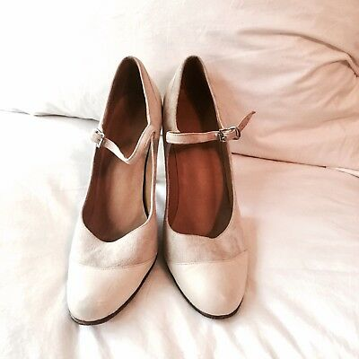 Vintage leather suede Cream Colored Two Tone Pumps Modern Heel High 1990s 7