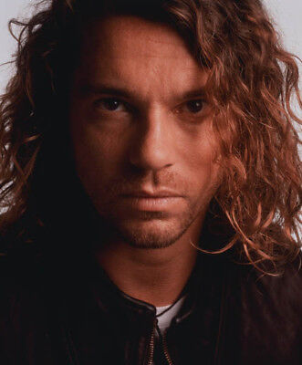 Michael Hutchence UNSIGNED photo - K8272 - Lead singer of rock band INXS
