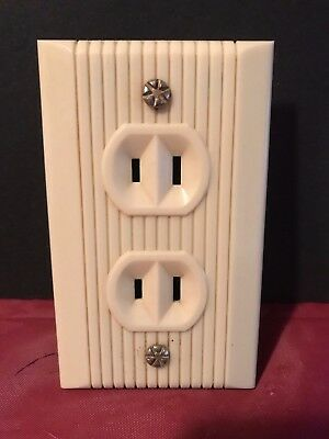 RARE UNIQUE Vintage Power Outlet & Cover all in one 15A-125V USA PAT 1858072