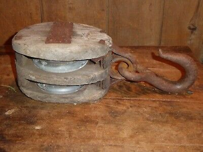 19th C OLD EARLY BARN PRIMITIVE PULLEY BLOCK  TACKLE ANTIQUE WOOD IRON HOOK