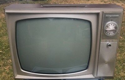 Vintage Magnavox Portable Tv 13 Inch Black & White