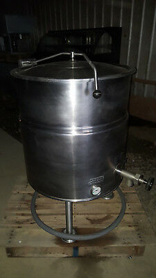 Cleveland Electric 40 Gallon Stainless Steel Jacketed Steam Soup Kettle Kel-40