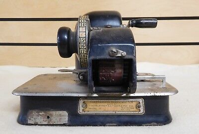 Antique Model Jr. THE PEERLESS CHECK WRITER Todd Protectograph Co.  (TH518)