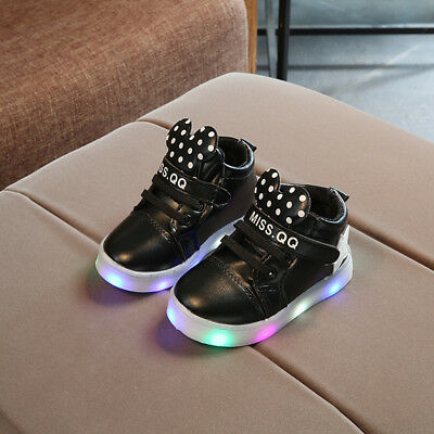Kids Light Up LED Luminous Shoes Boys Girls casual Sneakers Sport Running Comfy