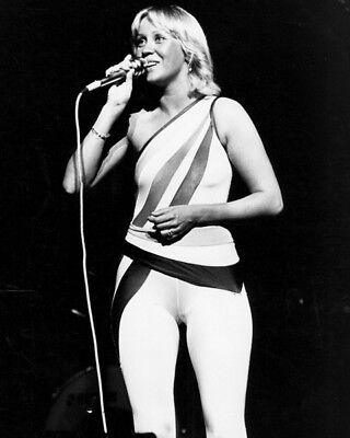 Agnetha Faltskog UNSIGNED photo - K8988 - Member of the pop group ABBA