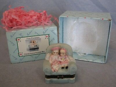 Madame Alexander Doll 2000 Friends Forever Porcelain Box in Great Shape