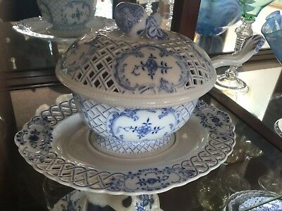 Meissen Crossed Swords Blue Onion Reticulated Tureen
