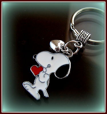 Valentines's SNOOPY w/ Heart KEYCHAIN (Peanuts) Jewelry - Charlie Brown's Dog