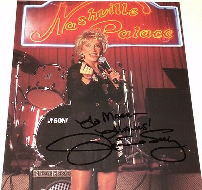 Jeannie Seely / Grand Ole Opry Star /  8 X 10  Color  Autographed  Photo