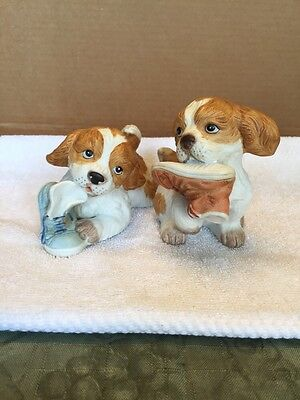Pair Of Homco Cocker Spaniel Puppies Playing With Shoes Figurines