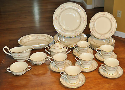 Lovely 30-Piece Set Minton Fine Bone China Legacy Pattern Pristine $530 Retail