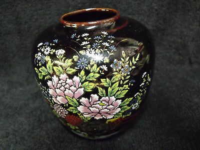"Pretty Vintage Black Porcelain Hand Painted Imperial Kutani Japan 4"" Vase"