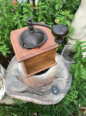 Vintage French WOODEN COFFEE GRINDER by PEUGEOT Freres France (1)