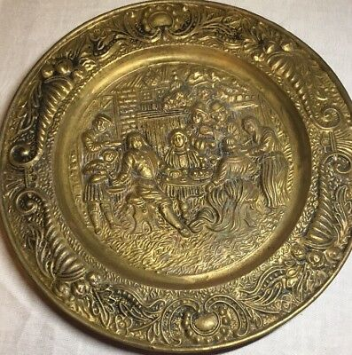 Vintage Brass Peerage England Embossed Wall Decorative Large Plate 14""