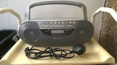 Sony Portable Stereo CD Radio Cassette Player CFD-S05 Great Condition Working