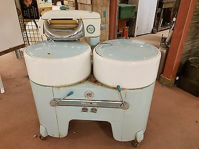 Vintage Philco Wringer Washer Dual Tub