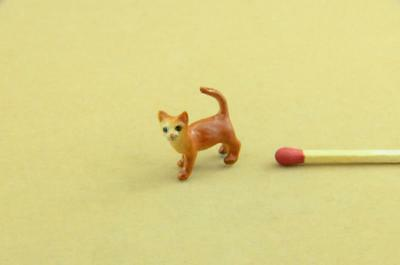 New Tiny Burmese Baby Cat/ Kitten Ceramic Figurine, Really Cute *mint*