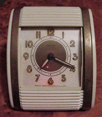 Vintage Art Deco Wind-up WESTCLOX TRAVALARM CLOCK 1950's