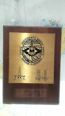 Nautical Vintage ''President's Award Diamond Offshore '' Eccentric Shield S079