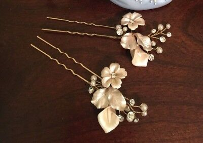 New Pretty 2 pcs Bridal Pearl Flower Crystal Hairpin BHLDN from Twigs & Honey
