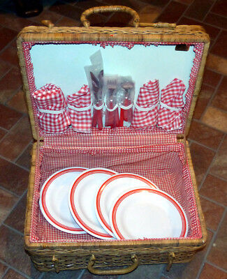 Vintage NOS Picnic Time Wicker Picnic Basket And Ware for 4