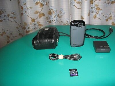KODAK PLAYSPORT  Zx3 Water-Shake proof HD Camcorder/4GB SD card/Accessories/Bag.