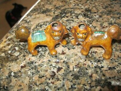 """TWO Vintage CHINESE GUARDIAN LIONS  """"foo dogs"""" """"shishi"""" porcelain SNUFF BOTTLES"""