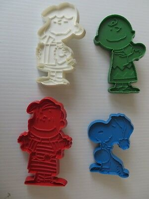 Vtg Hallmark Peanuts 1970's Cookie Cutter Molds Snoopy Lucy Linus Charlie Brown
