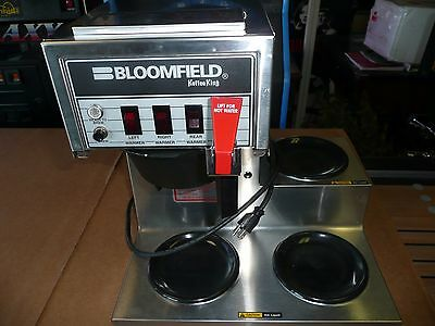 Bloomfield 8572 Coffee Brewer / 3 Burner / Low Profile (710)