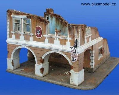 Plus Model 1:35 House w/ An Arcade Gypsom & Resin & Wood Diorama Kit #050