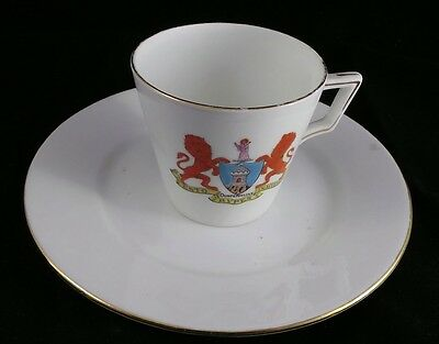 Shelley China Dunfermline Crest Flat Cup & Saucer Set ESTO RVPES INACCESSA RARE!