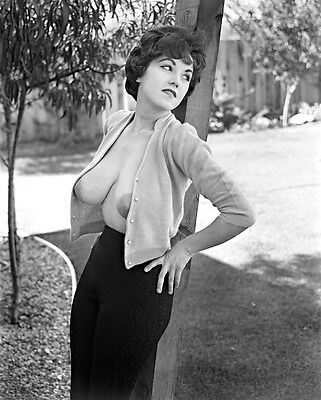 Julie Williams 8 X 10 Glossy Photo # 1