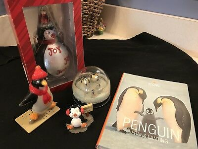 Penguin Figurines Snow Dome Glass Ornament Plastic Figure Book (J2)