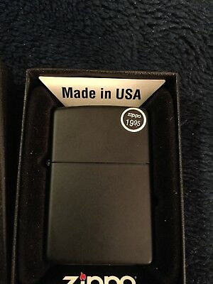 Zippo Black Matte Lighter - Regular 218