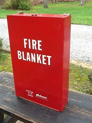 Vtg Wall Mount Pulmoson Fire Blanket In Metal Box  W / Fire Blanket - Very Good
