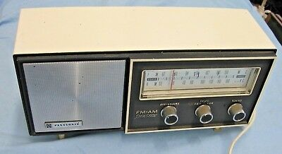 Vintage Panasonic Solid State AM/FM 2 Band Radio ~ Model RE 6137 Untested