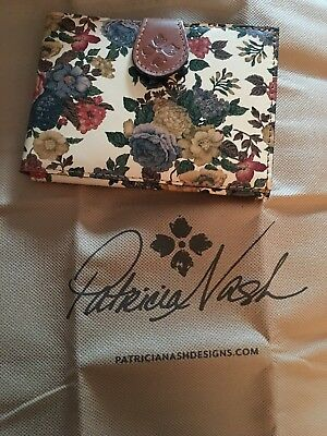 NWT PATRICIA NASH Passport Boarding Pass  Holder Floral
