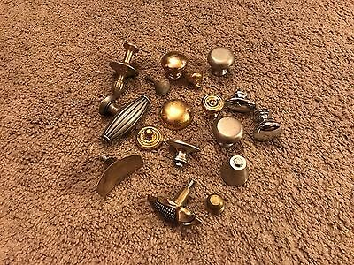 "Vintage/collectable 17 Pcs. Of All But 2 Lbs Of Brass Drawer/pull Knobs ""lqqk"""