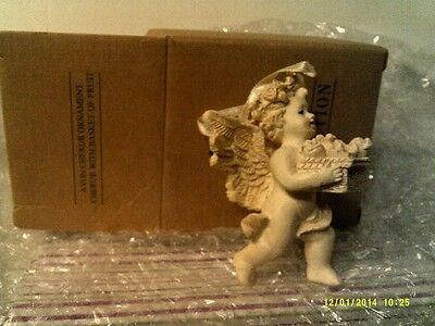 VTG 1996 Avon CHERUB WITH BASKET OF FRUIT ORNAMENT-NEW IN BOX-FREE SHIPPING