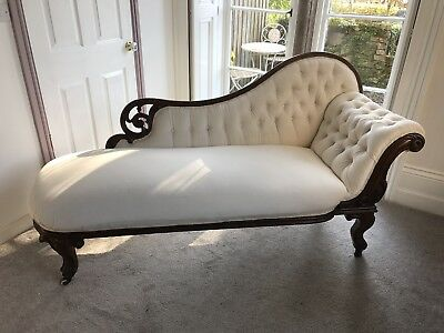 Victorian Button Back Chaise
