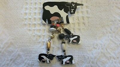 Vintage Cow Pin, Wooden Pin, Farm Theme, Costume Jewelry, Dangling Cows