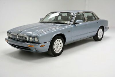 2002 Jaguar XJ8 Base Sedan 4-Door Lady Driven and Recent Service Desirable Body Style and Color
