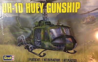 Revell 1/32 Scale Uh-1D Huey Helicopter Gunship Sealed