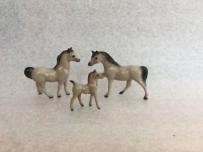Hagen Renaker Mini Mini Horse Family In Gray