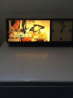 "VINTAGE 28"" MARLBORO MAN 1970s LIGHTED ADVERTISING CLOCK BAR MAN CAVE SIGN"