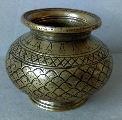 WELL PATINATED, HAND CHASED OLD 18th/19thc. INDIAN YELLOW BRONZE or BRASS POT.