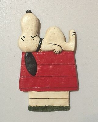 Vintage Snoopy picture nursery theme Chalkware Wall Plaque decoration Peanuts