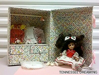 Effanbee Doll Set In Vintage Carrying Case Trunk Clothes Stand Nice Condition